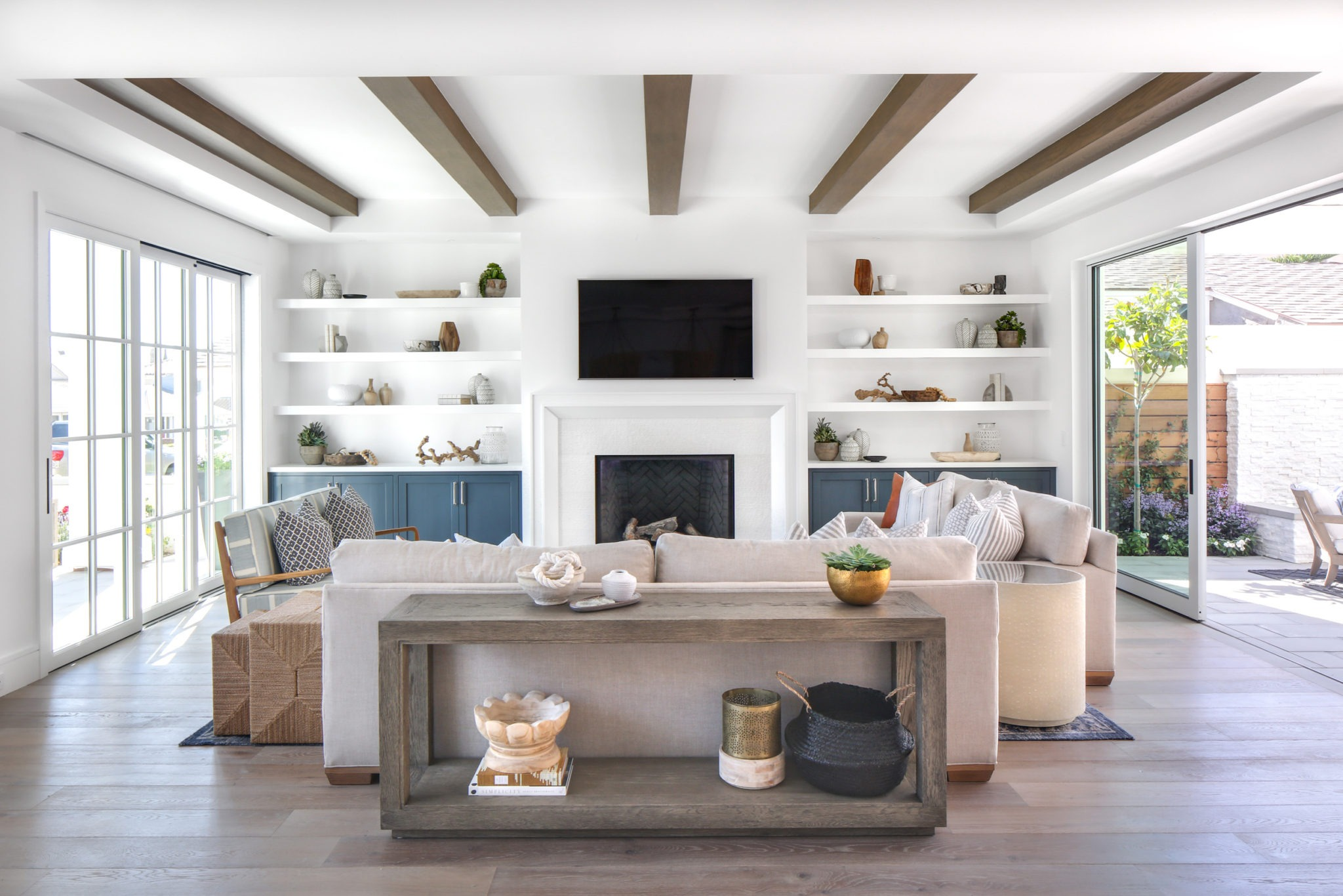 captivating contemporary coastal interior design | Larkspur Avenue New Build - Lindye Galloway Interiors